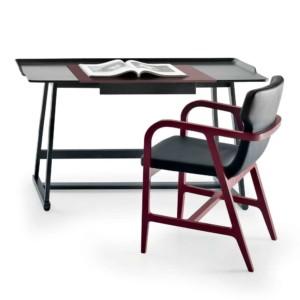 Recipio writing desk